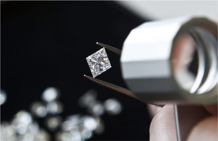 What You Need to Know Before Choosing a Diamond